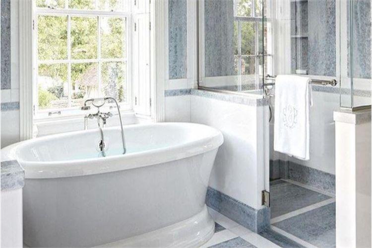 Küçük banyoları geniş ve işlevsel hale nasıl getirebiliriz?