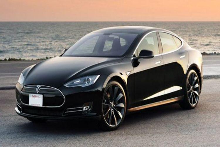 Tesla araba alanların kişisel verileri tehlikede