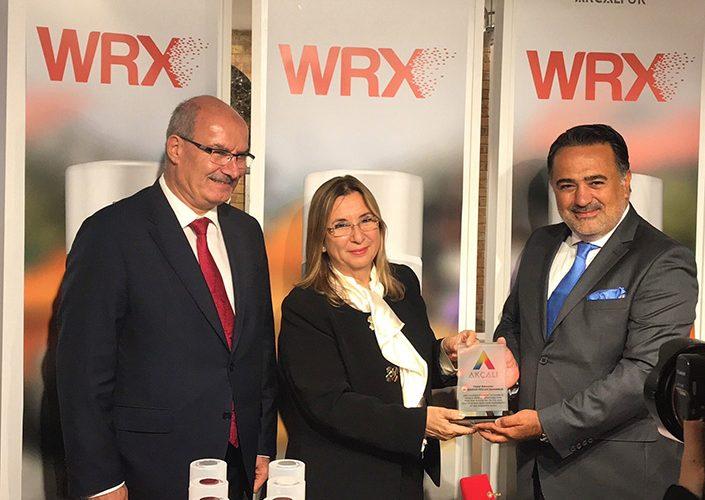 İngiltere'nin ilk Türk boyası Bakan Ruhsar Pekcan'ın katılımı ile açıldı