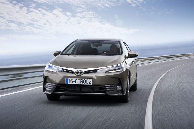 Toyota Corolla ve RAV4 zirveden inmiyor