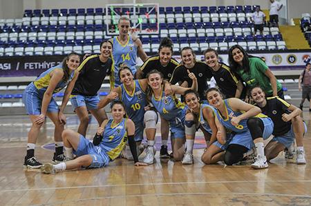 ANT Yapı'nın sponsor olduğu Fenerbahçe gelişim takımı kadınlar Federasyon Kupasının sahibi oldu